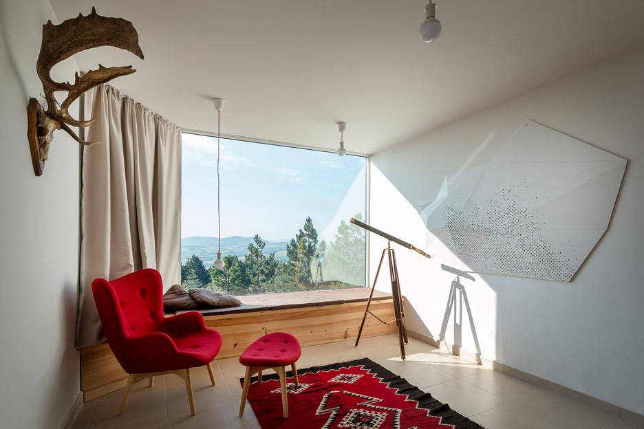 Mountain-House_Serbia_EXE-studio_dezeen_936_8