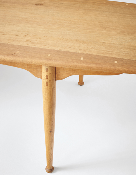 Peder Moos dining table