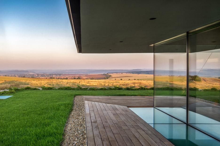 Observation house by I O Architects