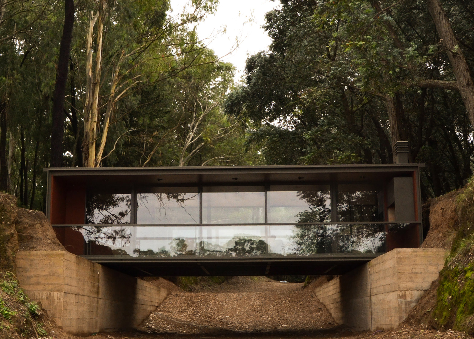 Pabellón-Puente by Alarciaferrer Arquitectos