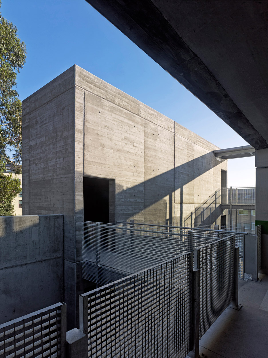 Parking_Maternity-Hospital-and-the-Oncologic-Center-of-Galicia_Diaz-y-Diaz-Arquitectos_dezeen_936_5