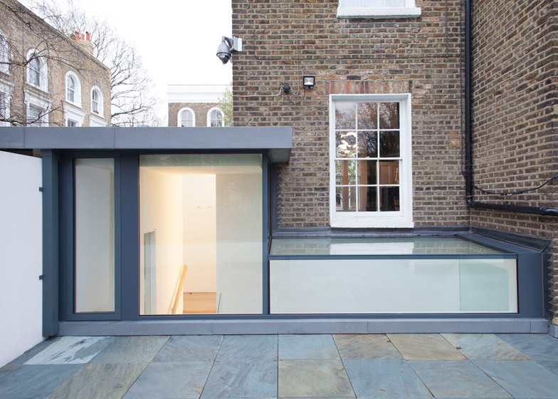 Peakaboo house by Lipton Plant Architects – shortlisted in 2014