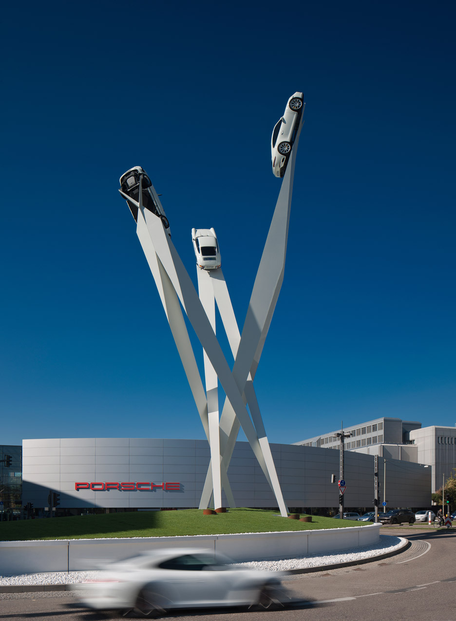 Porsche 911s fixed to steel frame to create streamlined sculpture by Gerry Judah