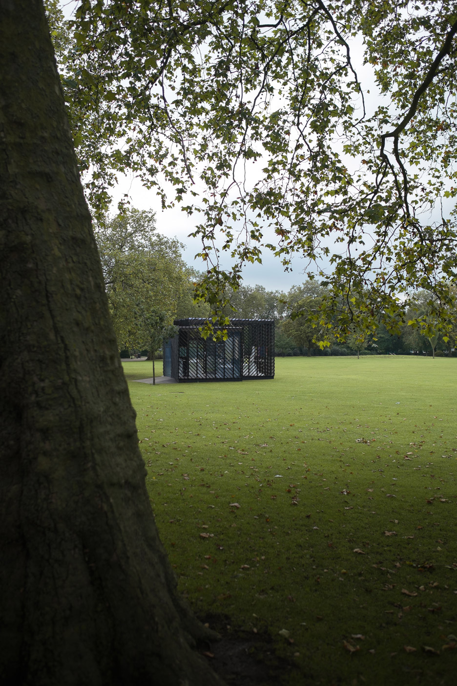 Queens-Park-Pavilion-by-Claridge-Architects_dezeen_936_3