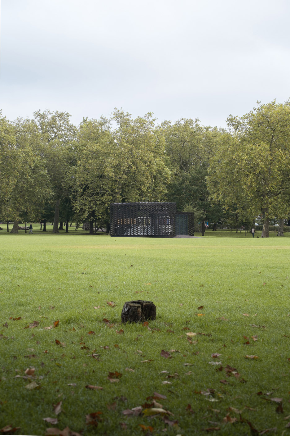 Queens-Park-Pavilion-by-Claridge-Architects_dezeen_936_4