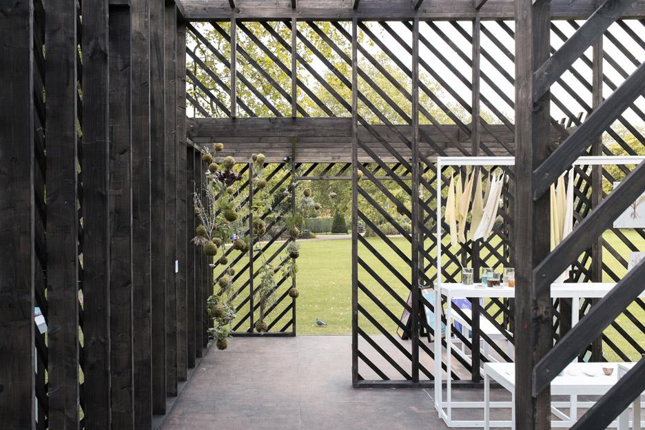 Queens-Park-Pavilion-by-Claridge-Architects_dezeen_936_7