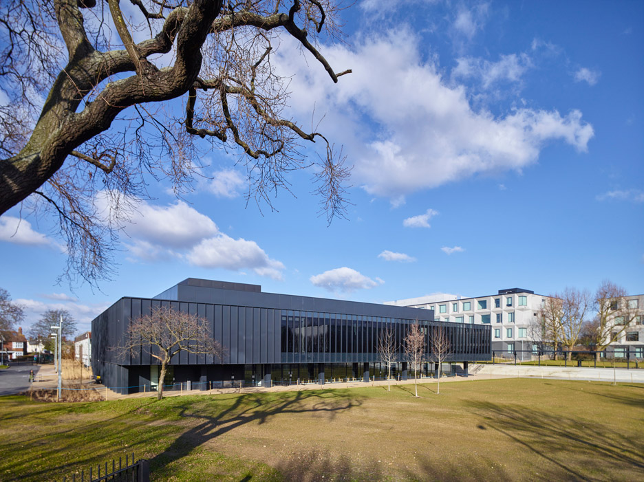 RIBA-Stirling-Prize-2015_Burntwood-School-Wandsworth_Allford-Hall-Monaghan-Morris_dezeen_936_3