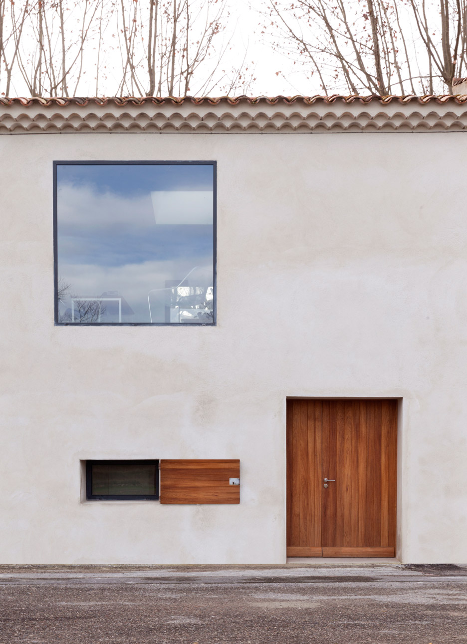 Renovation in Provence by Michael Menuet