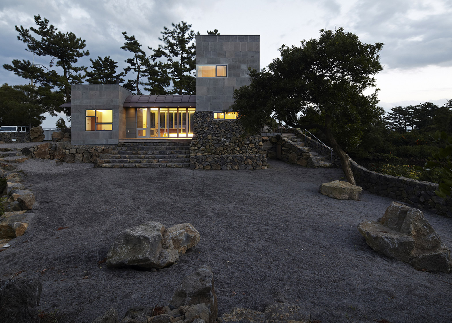 Residence in Bomok by Doojin Hwang architects