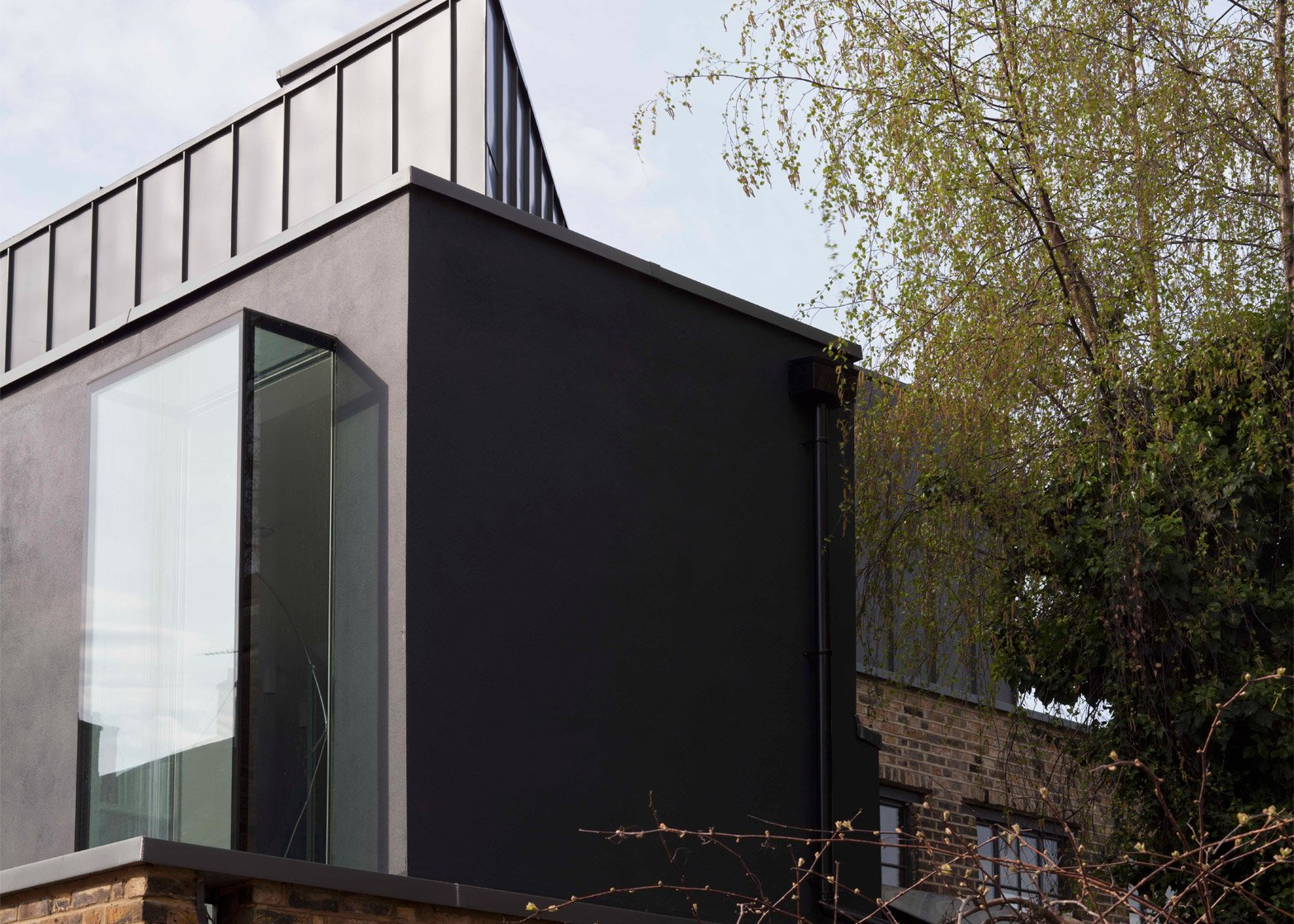 Giles Pike adds steel extension to house in converted Victorian workshop