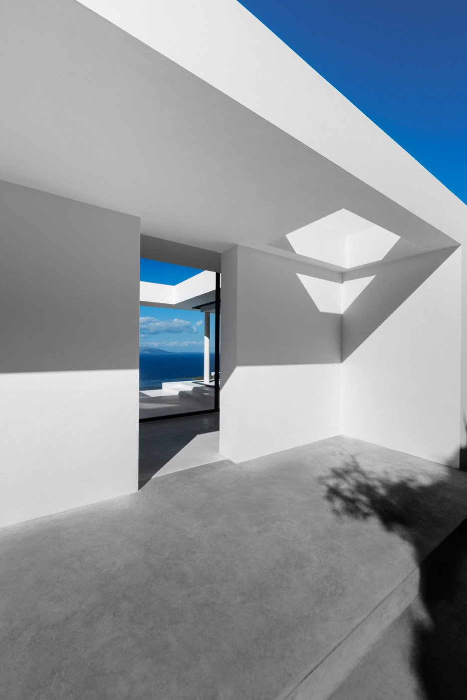 Silver House by Olivier Dwek, Greece