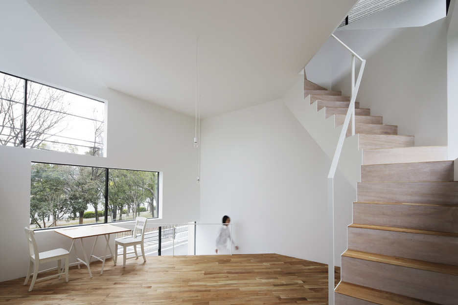 Spiral Window House by Alphaville Architects