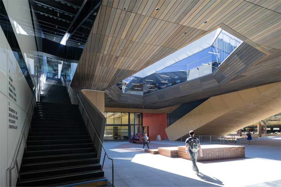 Stanford building by DS+R
