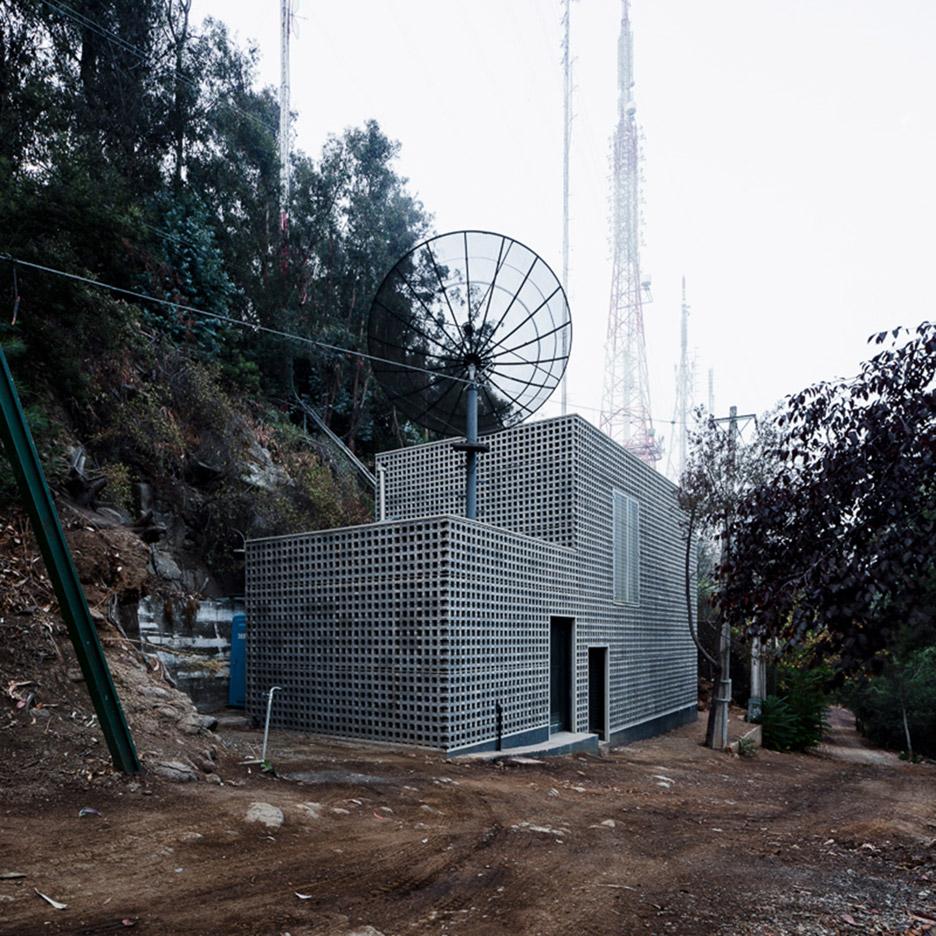 Transmission centre by Umwelt