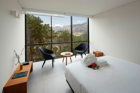 Vivood Hotel by Daniel Mayo