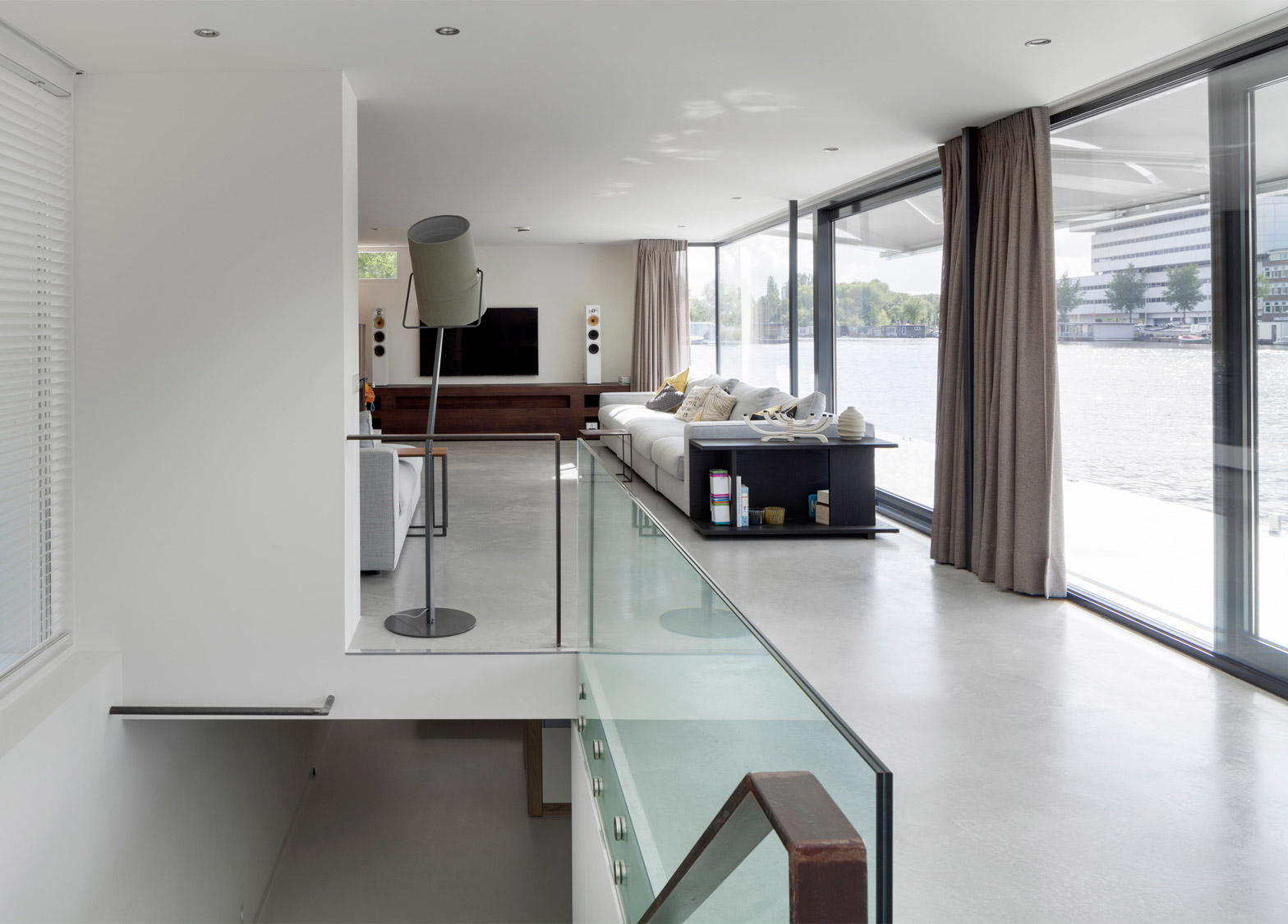 Watervilla Weesperzijde by +31 Architects, Amsterdam