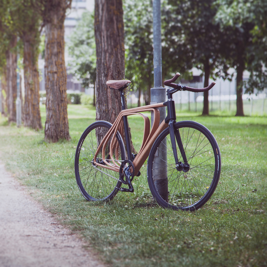 Wooden bicycle by Niko Schmutz