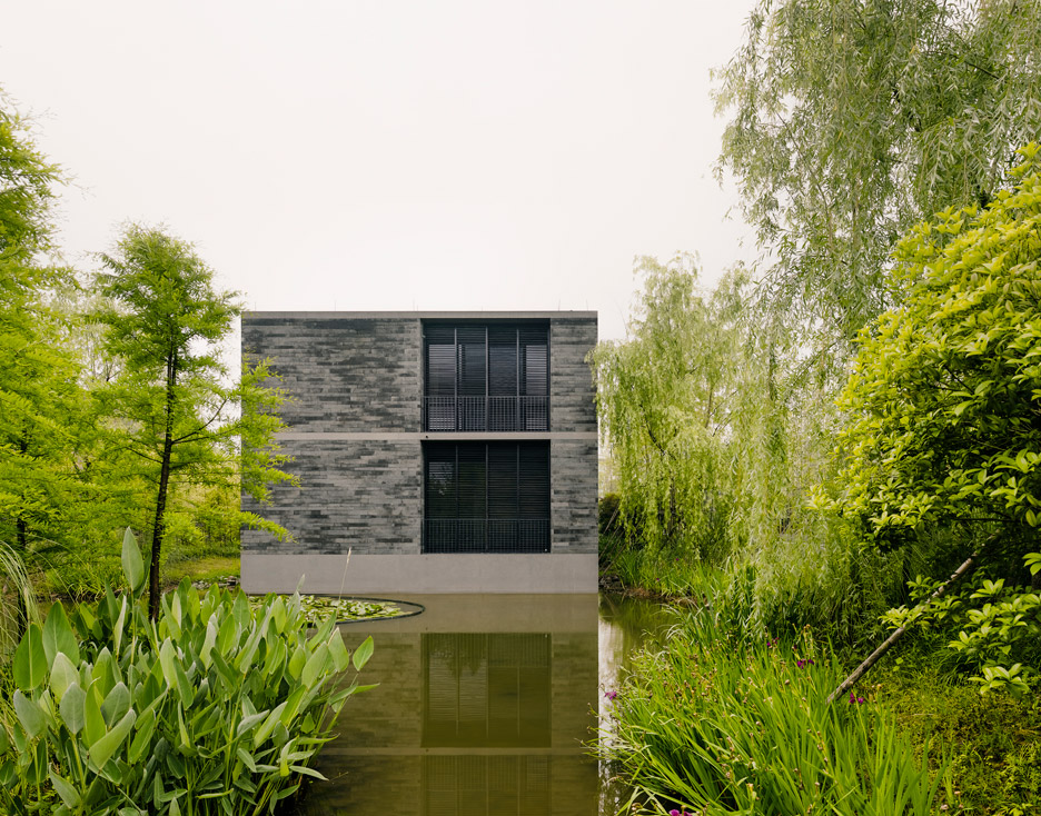 [Image: Xixi-Wetland-Estate_David-Chipperfield_dezeen_936_2.jpg]