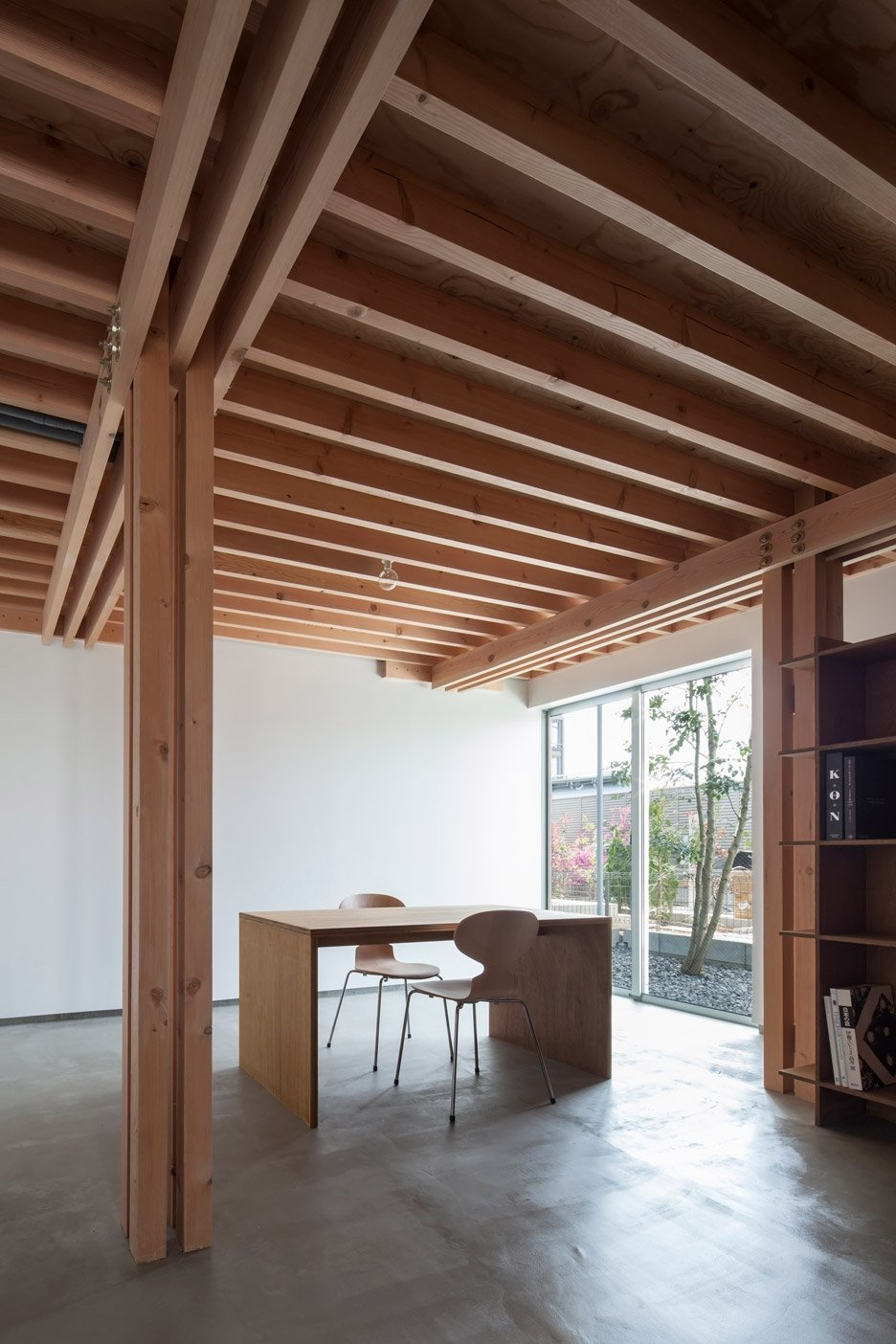 FT Architects\' 4 Columns house features a timber frame
