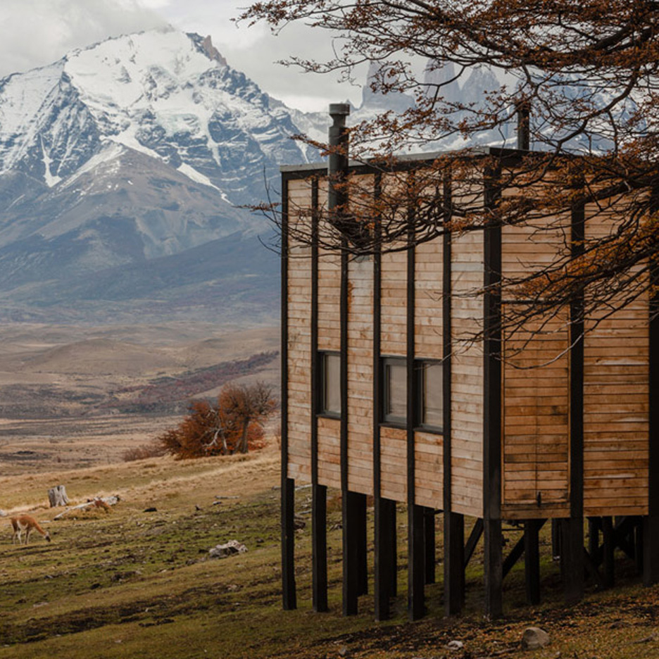 9bd1b89d08 Felipe Assadi scatters timber lodges on a Patagonian hill