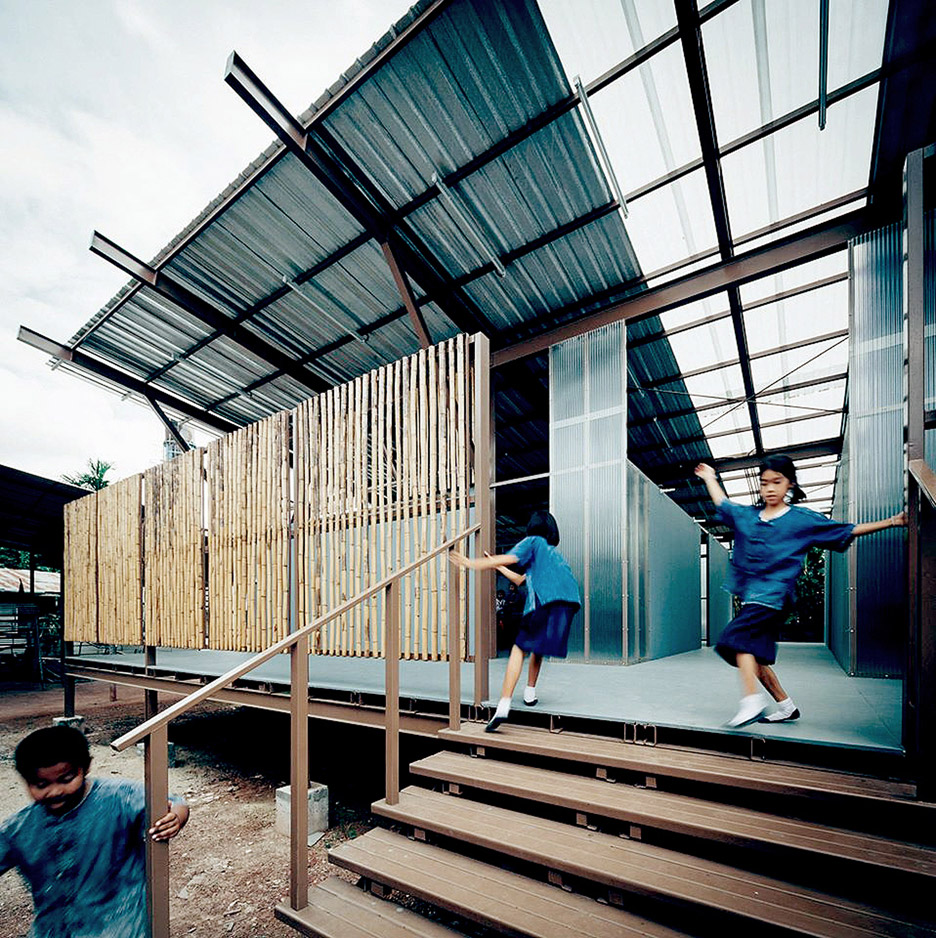 Jun Sekino replaces earthquake-damaged school in Thailand with stilted classrooms