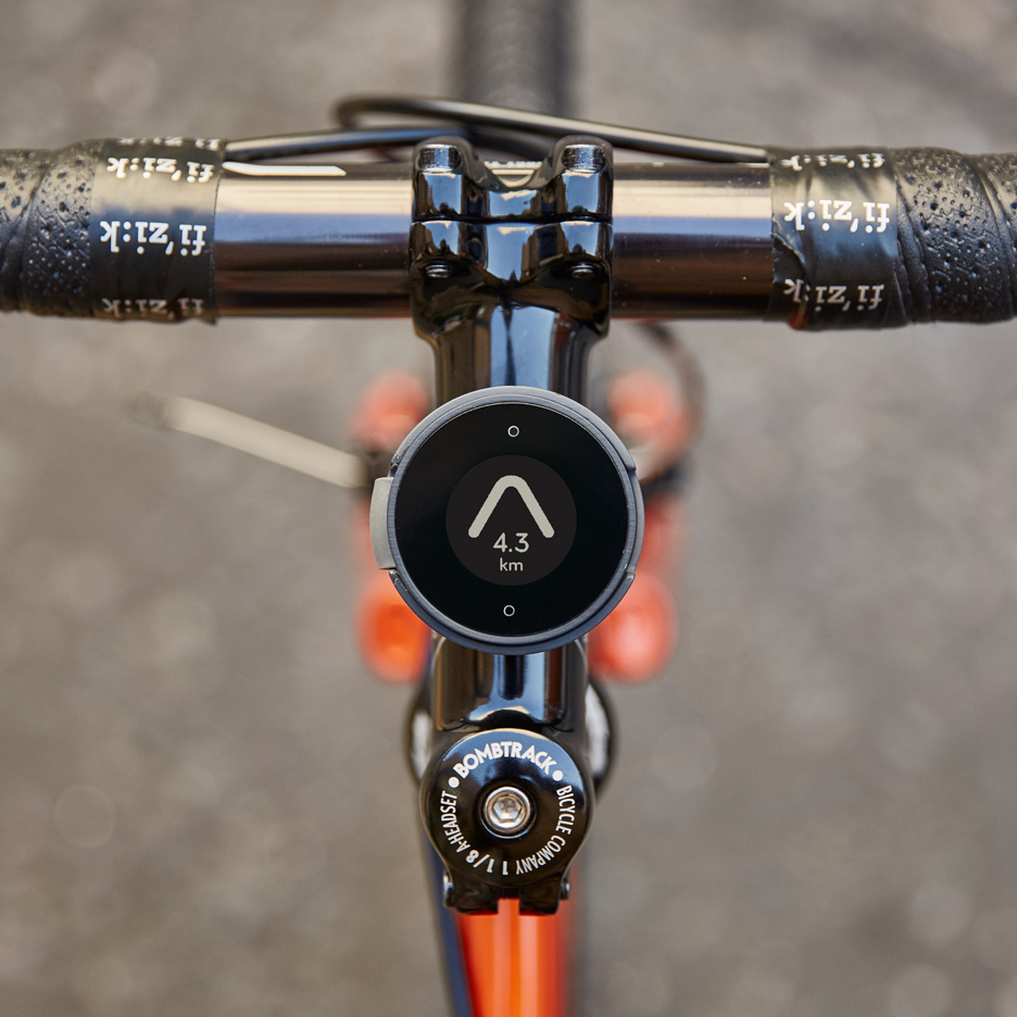MAP's BeeLine bicycle compass guides cyclists with a single arrow