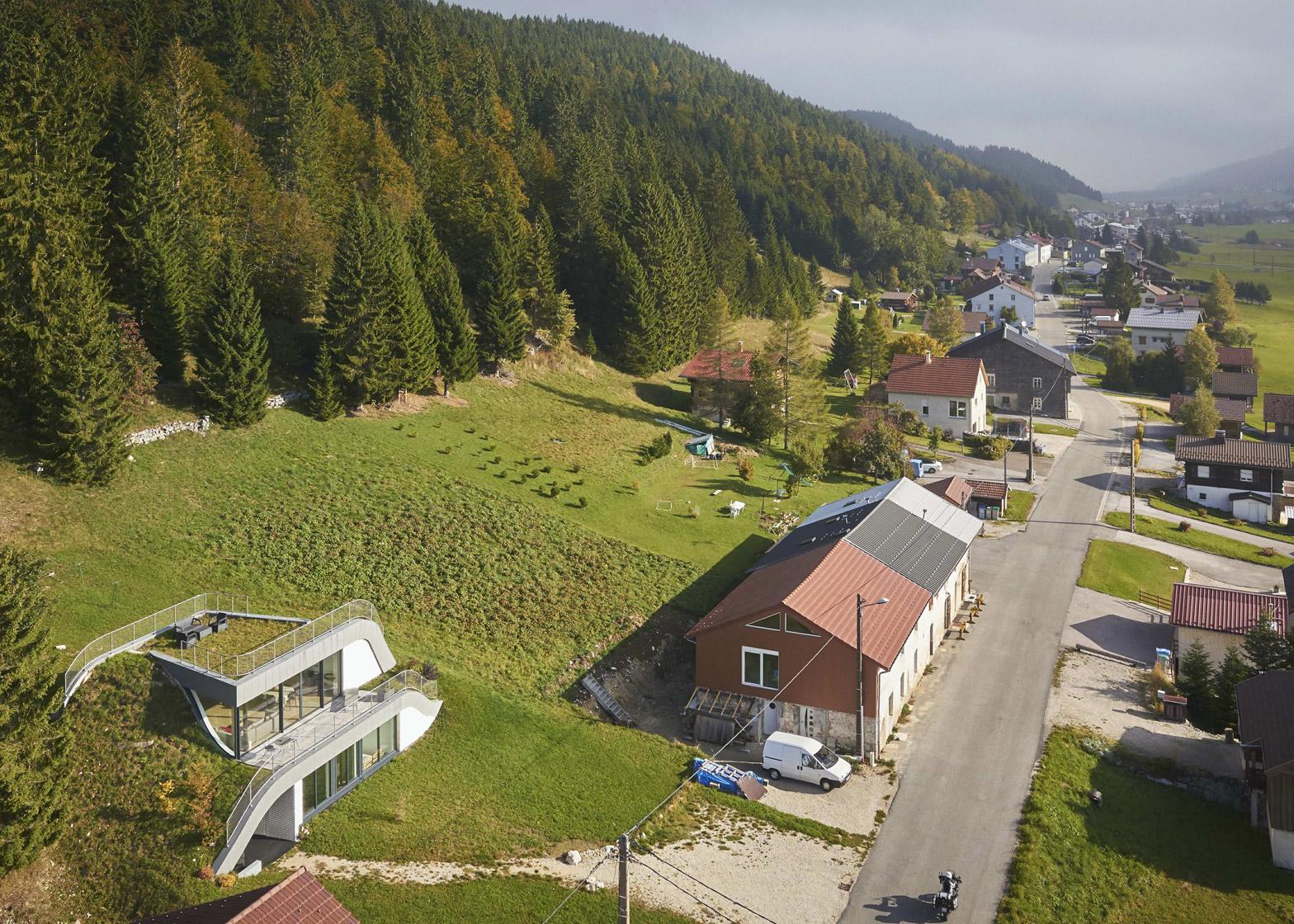 Casa Jura by JDS