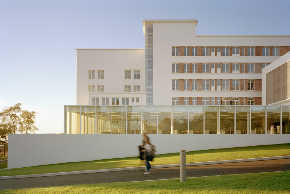 Clermont Ferrand School of Architecture by du Besset-Lyon architectes urbanistes