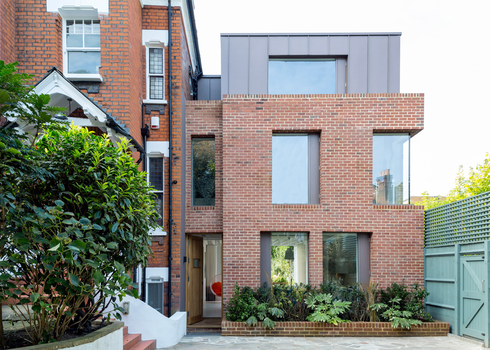 alexander martin u0027s london house extension has a window wall