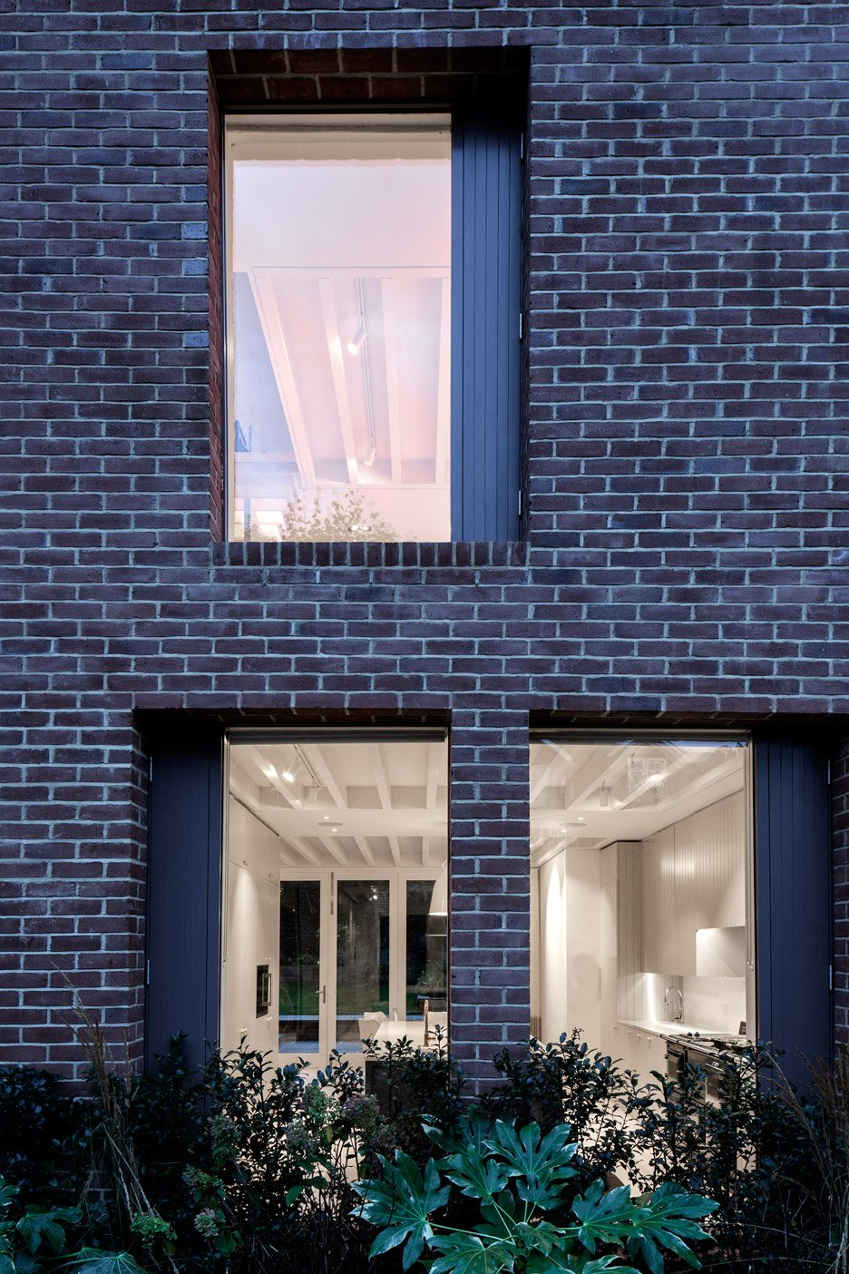 London house extension by alexander martin features a for Martin architects