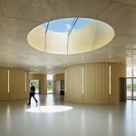 """Curvaceous concrete crematorium by Plan 01 offers """"dignified and serene setting"""" for mourners"""