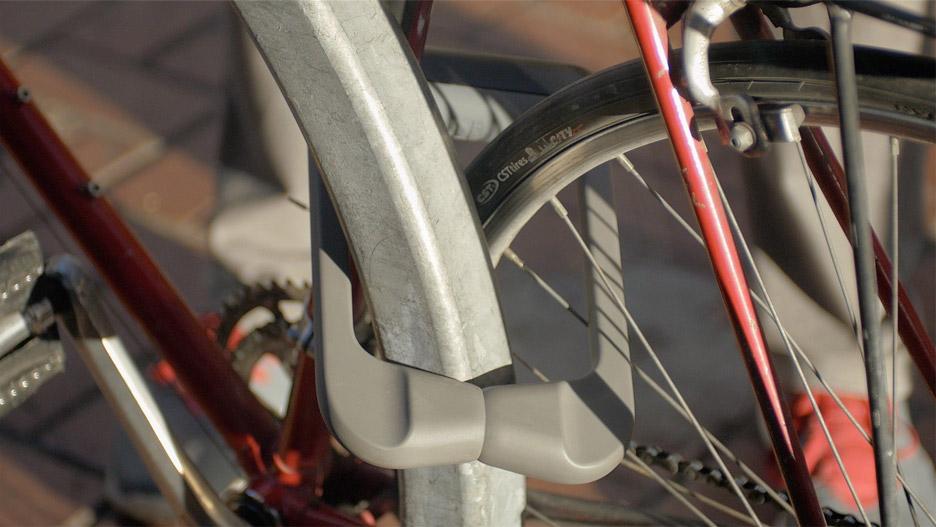 Grasp bike lock by Samson Berhane and Sarb Singh