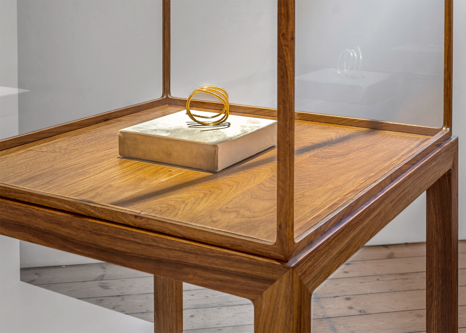 Gold jewellery by Ai Wei Wei at the London jewellery gallery, Elisabetta Cipriani