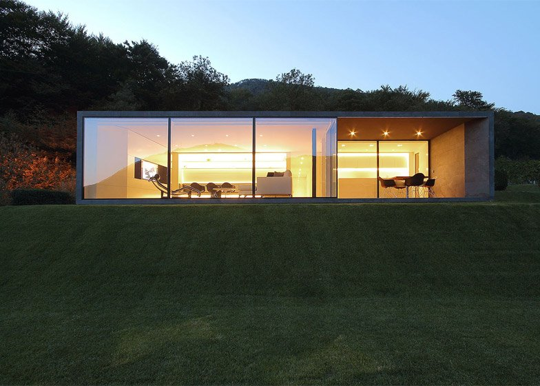 Montebar Villa by JMA Architects