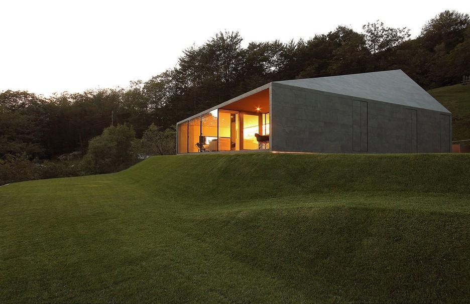 Montebar Villa by JMA Architects