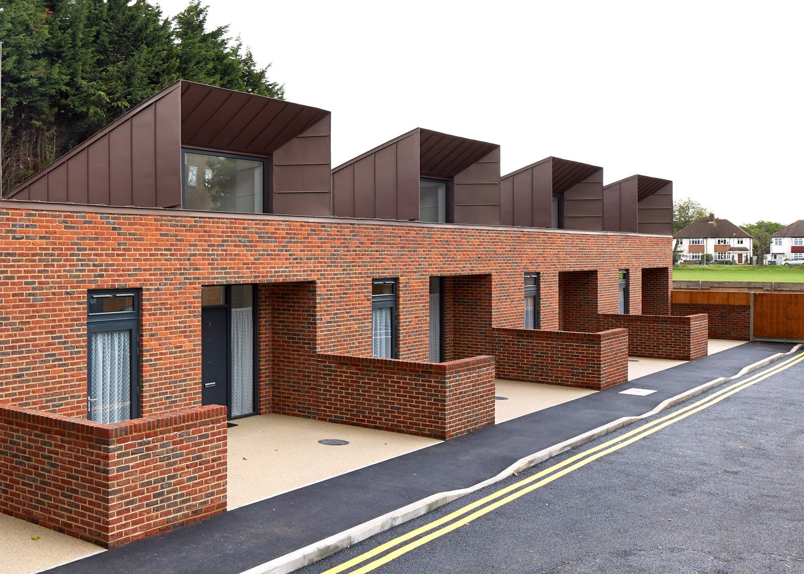Ravens Way housing by Bell Phillips Architects