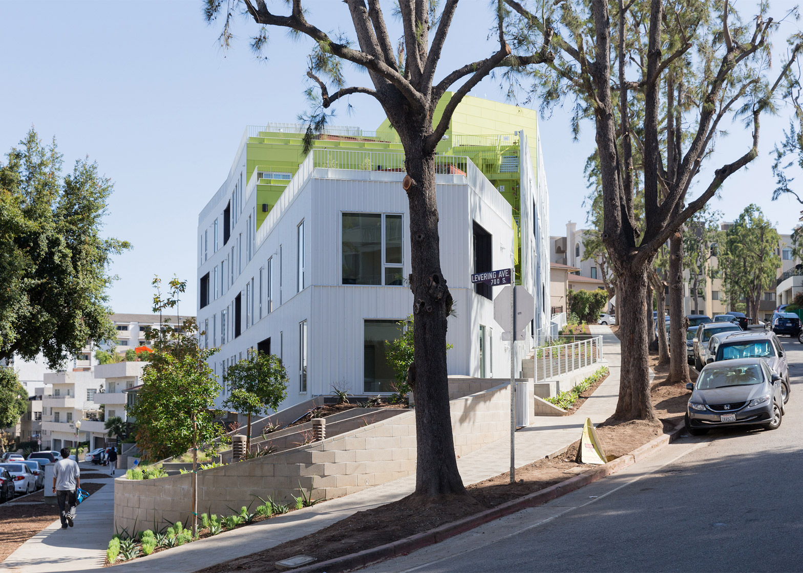 SL11024 student and faculty housing by LOHA