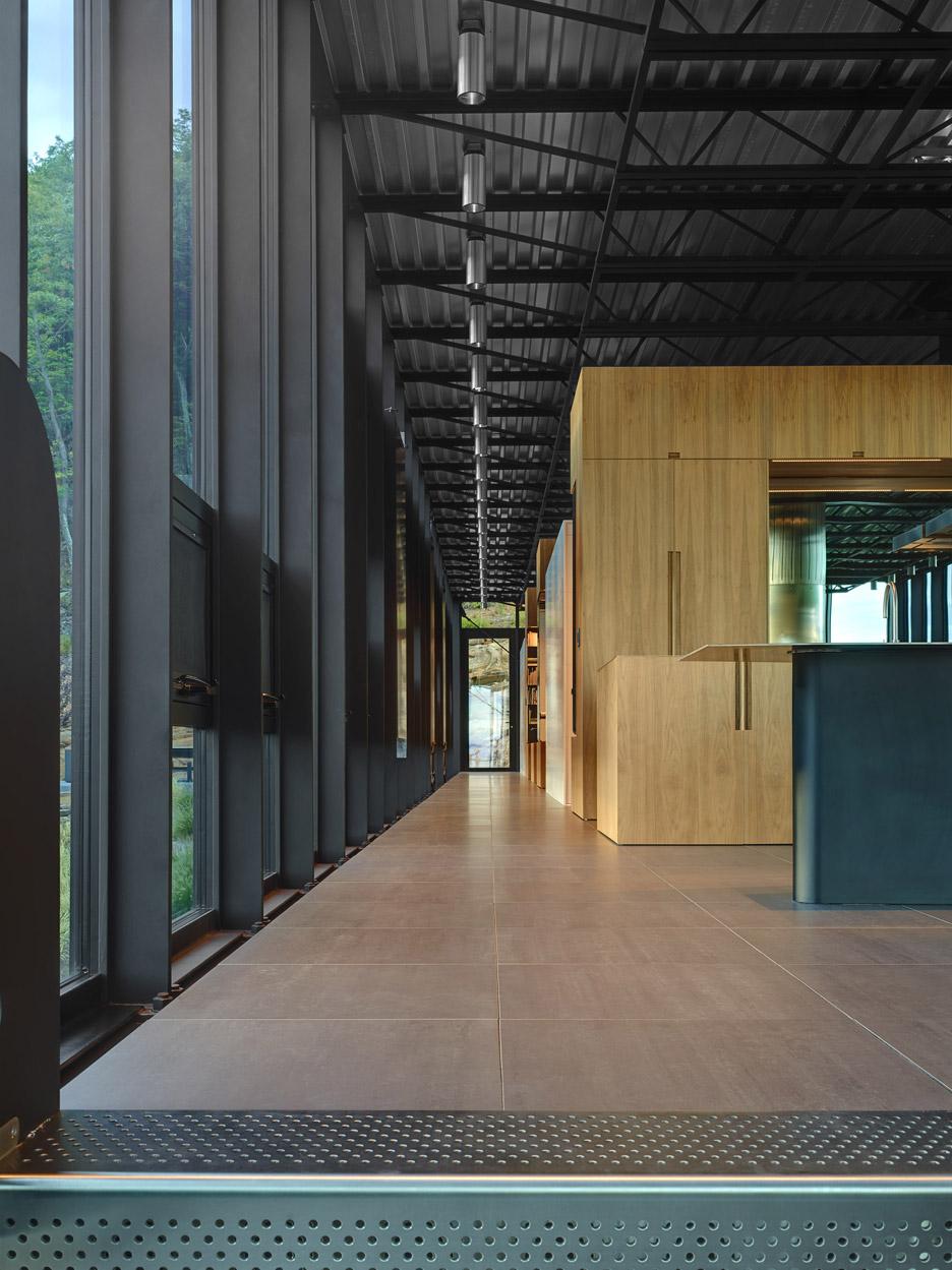 Shokan Residence by Jay Bargmann
