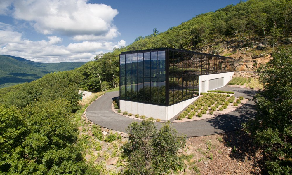 Jay Bargmann creates a glass box home in upstate New York