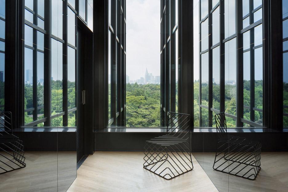 Mirrored office interiors by Nendo