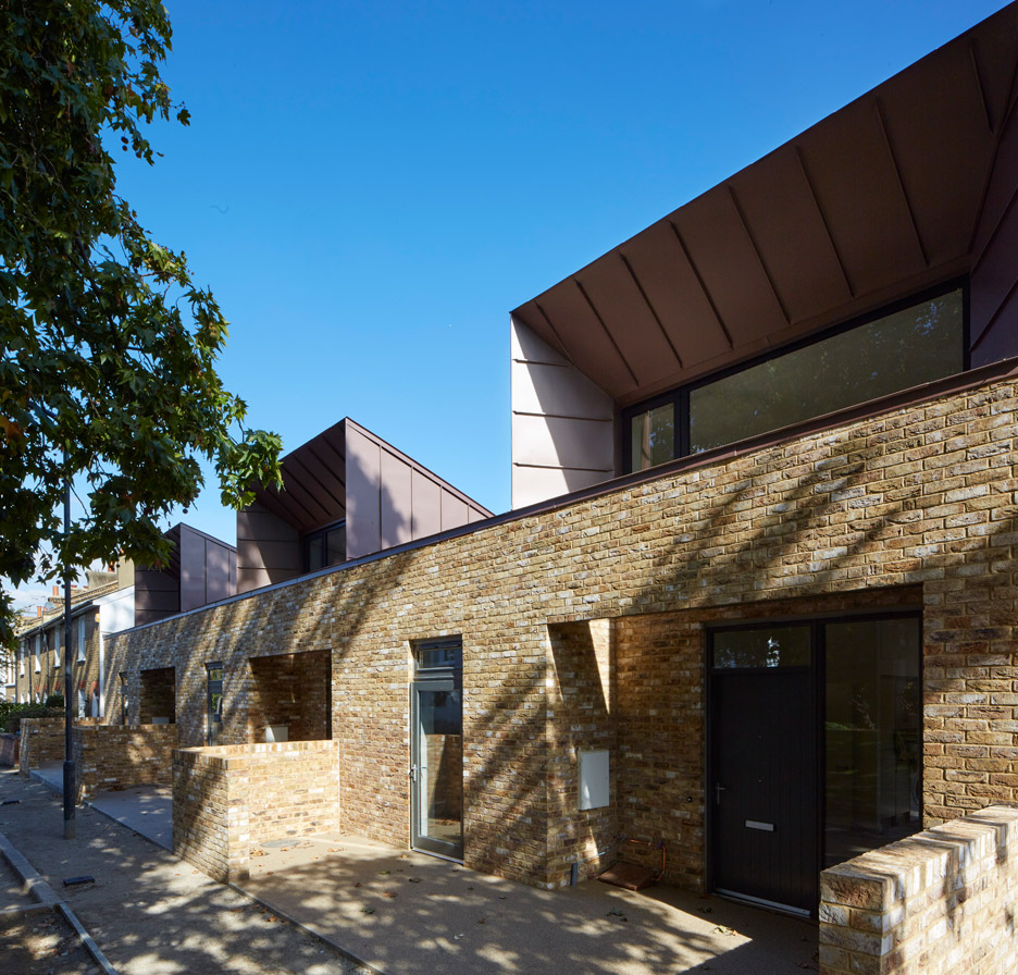 Walnut Tree Road housing by Bell Phillips Architects