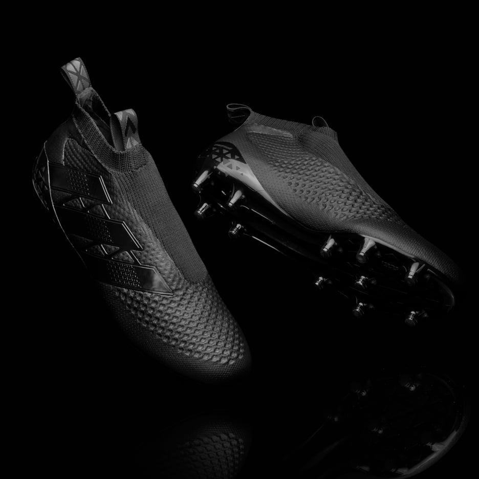 adidas-laceless-football-boots_Dezeen_93