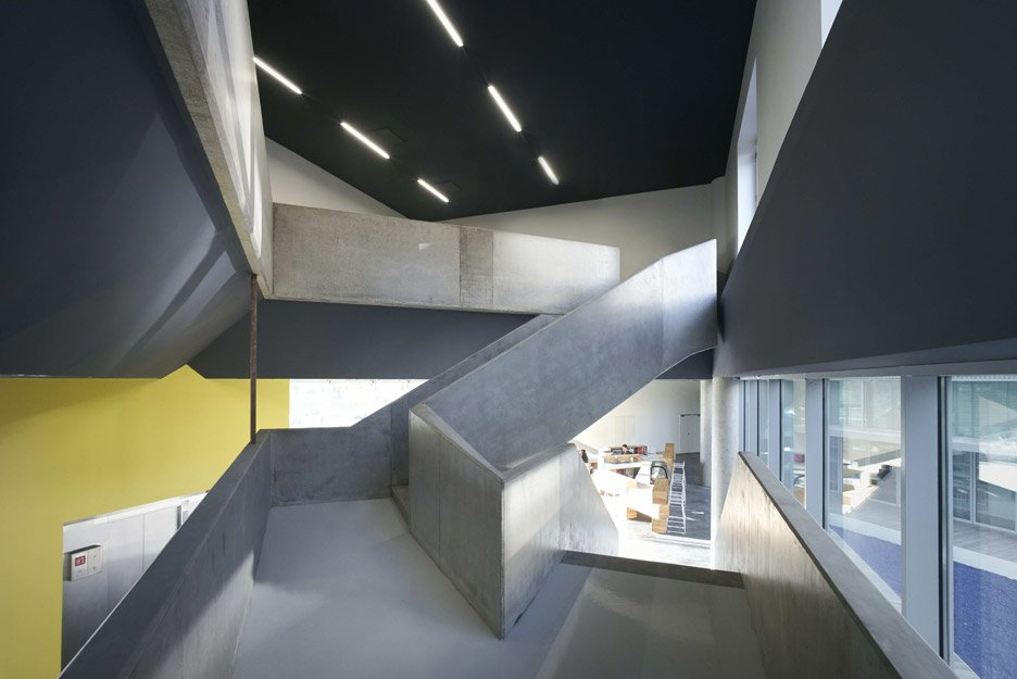 Lille Youth Centre by JDS