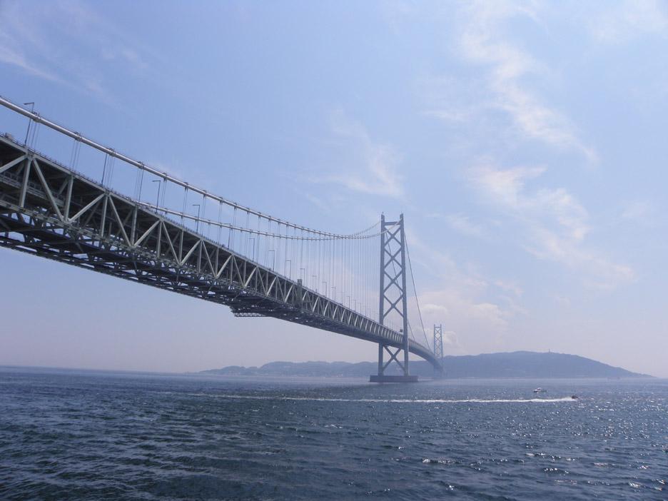 Akashi Kaikyō Bridge by Satoshi Kashima