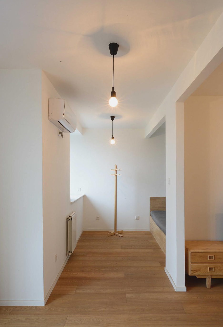An-apartment-without-centre_Lee-Chul-Liu-Jing_Interior-renovation_Beijing_China_dezeen_936_14