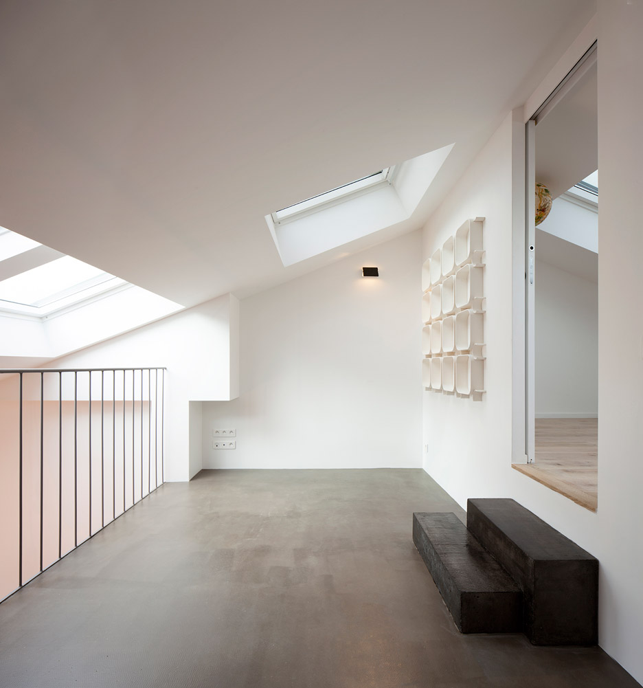 Cairos architecture uses mezzanine level to create more for Architecture mezzanine