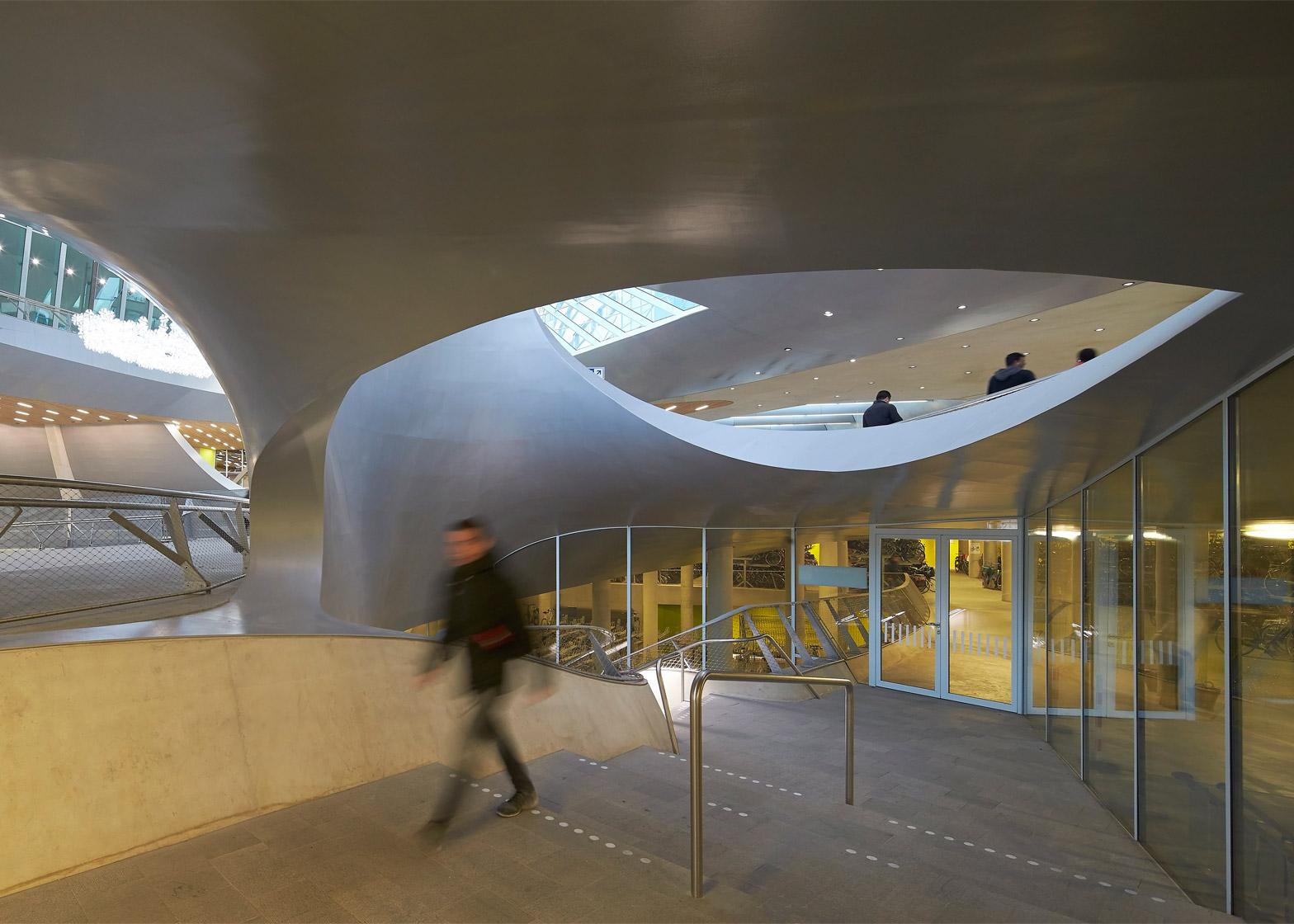 Arnhem Station by UNStudio