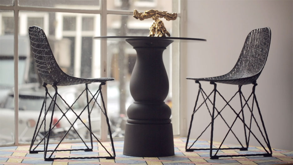 3novices moooi s bar stool version of iconic carbon chair is super light and super strong. Black Bedroom Furniture Sets. Home Design Ideas
