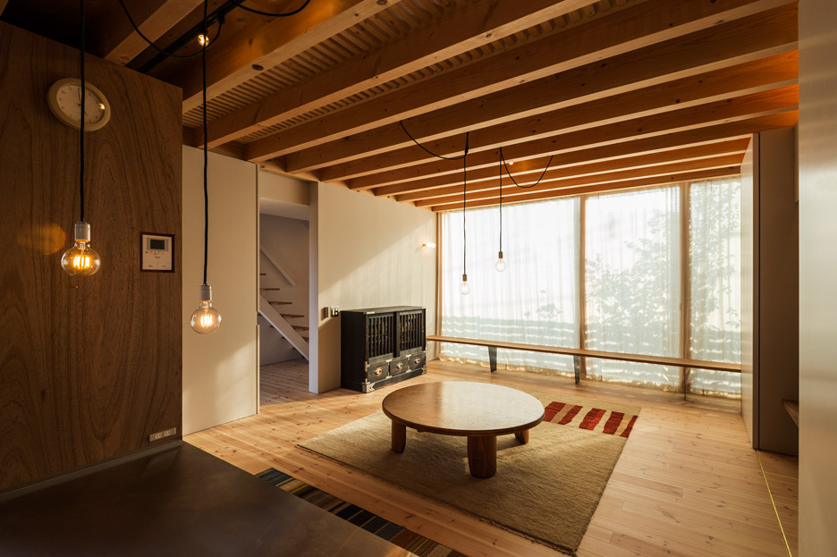 Cardigan Cardigan by Takeru Shoji Architects