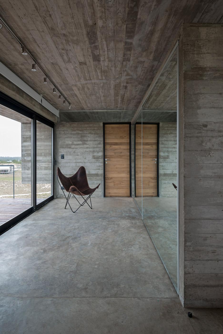 Casa Golf by Luciano Kruk